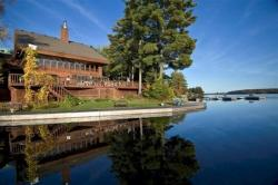 Westwind Inn on the Lake, 61 Gallery on the Lake Road, K0L 1J0, Buckhorn