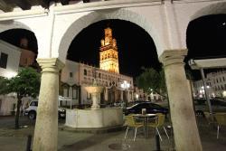 Hostal Zurbaran, Plaza de España, 3, 06900, Llerena