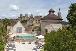 Logis Grand Hotel Montespan-Talleyrand, 2-4, Place Des Thermes, 03160, Bourbon-l'Archambault