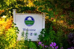 Elmhirst's Resort, 1045 Settlers Line, K0L 2G0, Keene