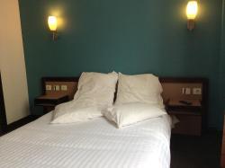 Hotel De La Place, 21,Rue Henri Martin, 92240, Malakoff