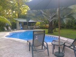Playa Negra Guesthouse, 100 meter north of the football field, Playa Negra de Cahuita, 70403, Cahuita