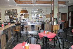 Hotel Restaurante Marinovo, Carretera Santiago - Noia km. 16, 15281, Urdilde