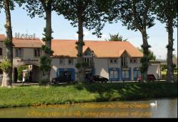 Hôtel Les Pages, 5 quai des petits bosquets, 54300, Lunéville