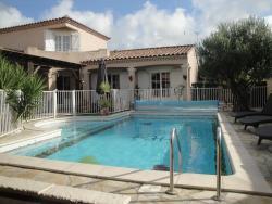 Villa Lombrine, 104 Rue de Lombrine, 30220, Saint-Laurent-d'Aigouze