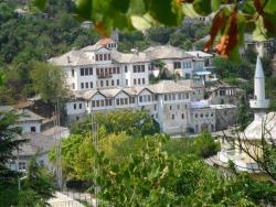 Bed and Breakfast Kotoni, Rruga Bashkim Kokon - Lagja Paloso, 6001, Gjirokastër