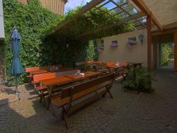 Hotel Goldenes Dachl, Hafnerstrasse 27, 4020, Linz