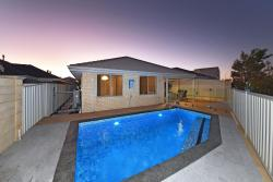 Brighton Beachside HIDEAWAY, 6 Clew Way, 6036, Jindalee