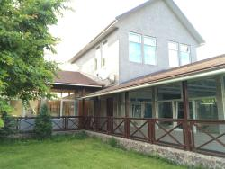 Holiday House, selo Arashan, S.T. Stroitely dom 1, 720001, Këk-Dzhar