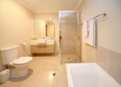 Direct Hotels - Villas on Rivergum, 21 Rivergum Drive, 4720, Emerald