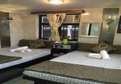 Hotel Skycity, Flat B8, 13/F, Block B, Chungking Mansion, 36-44 Nathan Road,, Hong Kong
