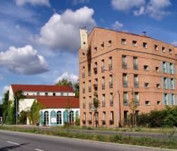 Albergo Hotel, Waßmannsdorfer Chaussee 2, 12529, Schönefeld