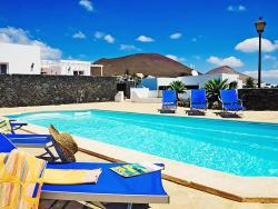 Holiday Home Conil 2944,  35572, Conil