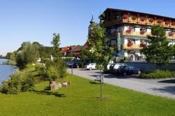 Hotel Zum Goldenen Anker, Marktplatz 42, 94575, Windorf