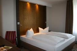 HOTEL PARQÉO im A66, Altenhaßlauer Weg 3, 63571, Gelnhausen