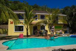 Wipeout Hostel, Calle Hermosa y Byr Dr, 61101, Playa Hermosa