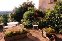 Chambres d'hôtes Le Presbytère, Le Bourg, 42210, Saint-Cyr-les-Vignes
