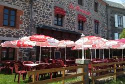 Hôtel Restaurant La Pinatelle, le bourg, 15170, Chalinargues