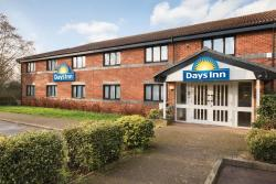 Days Inn Michaelwood M5, J13/14 M5 Northbound, Lowerwick, Dursley, GL13 9JS, Falfield