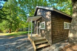 Sunwolf Riverside Cabins, 70002 Squamish Valley Road , V0N 1H0, Brackendale