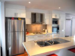 Home On Torrens, 9 Torrens Street, Kingscote, Kangaroo Island, 5223, Kingscote