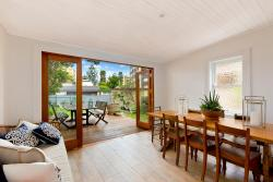 Charming Beach House by the Sea, 192 Pittwater Road, 2095, Manly