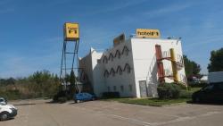 hotelF1 Nîmes Est Marguerittes, RN 86 La Granelle, 30320, Marguerittes