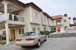 Topaz Luxury Suites & Apartments, 15 Oluwole street, off Chief Collins, Lekki Phase 1,, 100272, Ogoyo