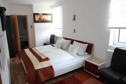 Hotel Happy, Bleeck 7, 24576, Bad Bramstedt