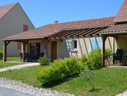 Holiday Home Domaine De Lanzac 2,  46200, Lanzac