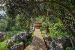 Getaway Among The Trees, La Troya 0900, Granizo Paradero 45,, Olmué