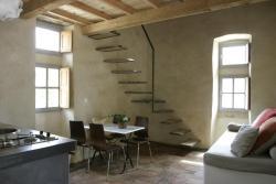 Les Sardines Aux Yeux Bleus Appartements, place de gattigues hameau de gattigues, 30700, Aigaliers