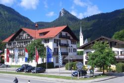 Hotel zur Post, Nördliche Haupstrasse 5-7, 83708, Kreuth