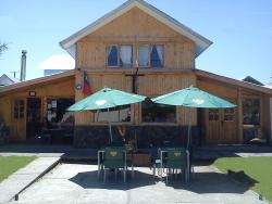 Hostal Nativo, Caupolican 915 , 4690000, Lonquimay