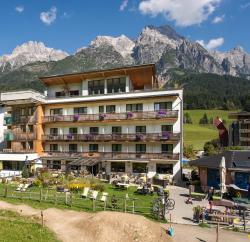 Hotel Bacher Asitzstubn, Hütten 33, 5771, Leogang