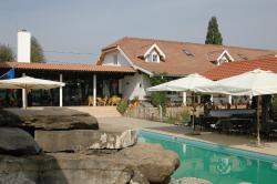 Country Club La Mesteceni, Str Principala 1, 515802, Sebeş