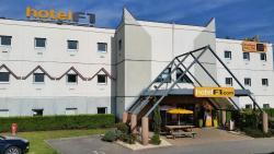 hotelF1 Lyon Isle D'Abeau Ouest St Exupery, 20 Rue De Montmurier Parc De Chesnes, 38070, Saint-Quentin-Fallavier