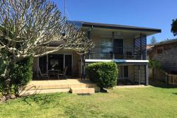 Fingal Rest Beach House, 4 Marine Parade, 2487, Tweed Heads