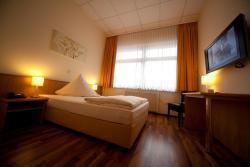 Hotel Zur Rebe, Frankfurter Straße 11 a, 65239, Hochheim am Main