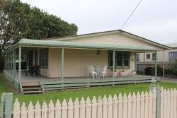 Beach Holiday Cottage, 23 Cawood Street, 3233, Apollo Bay
