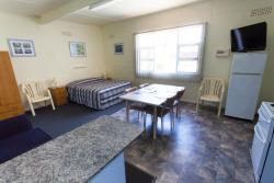 Modra's Apartments, 2 Yaringa Ave, 5605, Tumby Bay