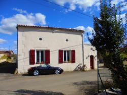 B&B Le Lion Rouge, 1 Route du Querreux, 86400, Voulême