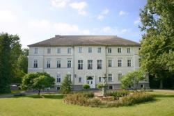 Schlosshotel Ranzin, Dorfstraße 36, 17495, Ranzin