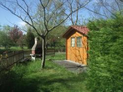 Gite Le Chardon Fleuri, 8 Chemin de Chardon, 33710, Teuillac