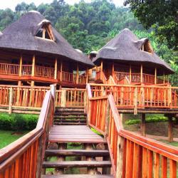 Trackers Safari Lodge, Bwindi,, Buhoma