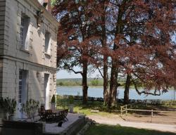 Chateau de la Ronce, 104 Quai de Seine, 27310, Caumont