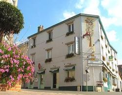 Hotel Restaurant La Croix Verte, 2, rue d'Evron, 53150, Neau