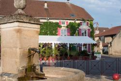 Auberge de la Fontaine, 2, place de la Fontaine, 52210, Villiers-sur-Suize