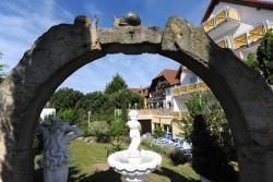 Hotel-Residenz Immenhof, Immengartenstraße 26, 67487, Maikammer