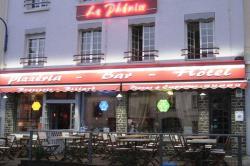 Le Phenix, 13 -15 Place Edmond Laquaine, 50580, Portbail